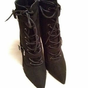 JustFab Shoes - Justfab ankle boots sz 9 black